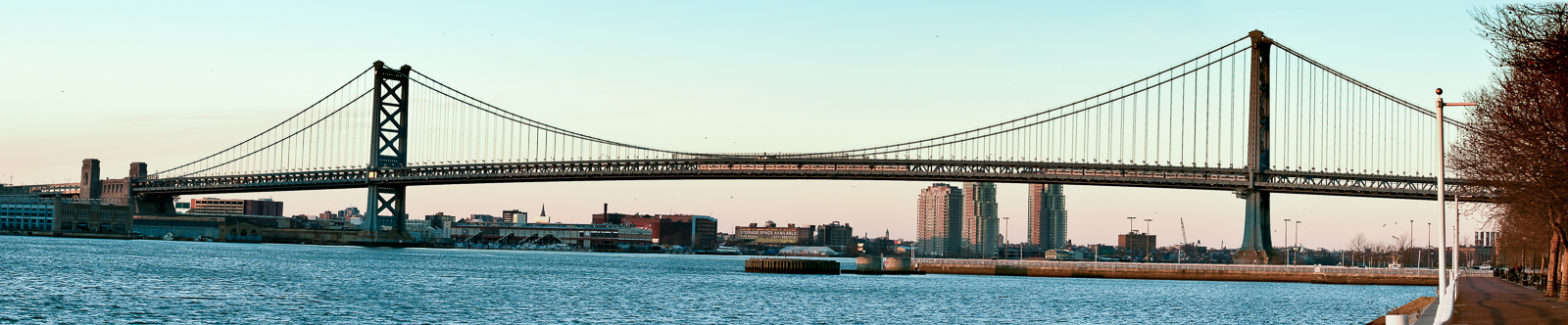 ben-franklin-bridge-pano-