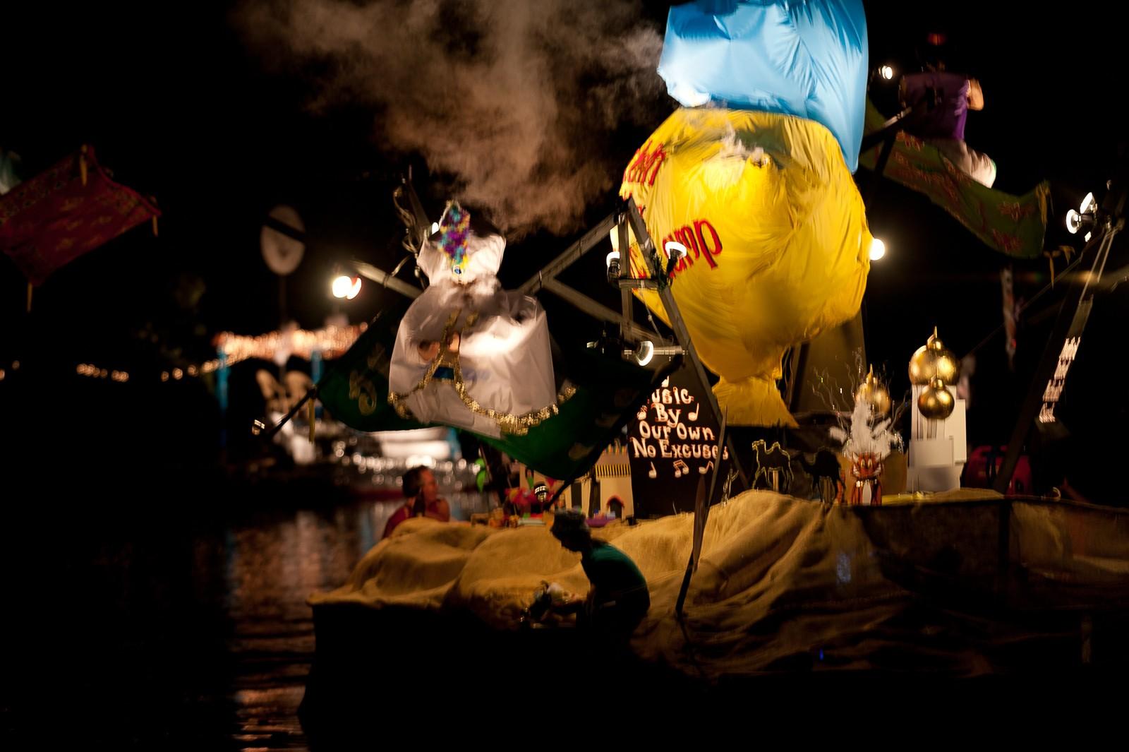 canoe-carnival-2010-0280