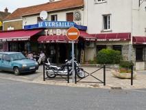 Street scene phtograph at Le Versailles nozay-france