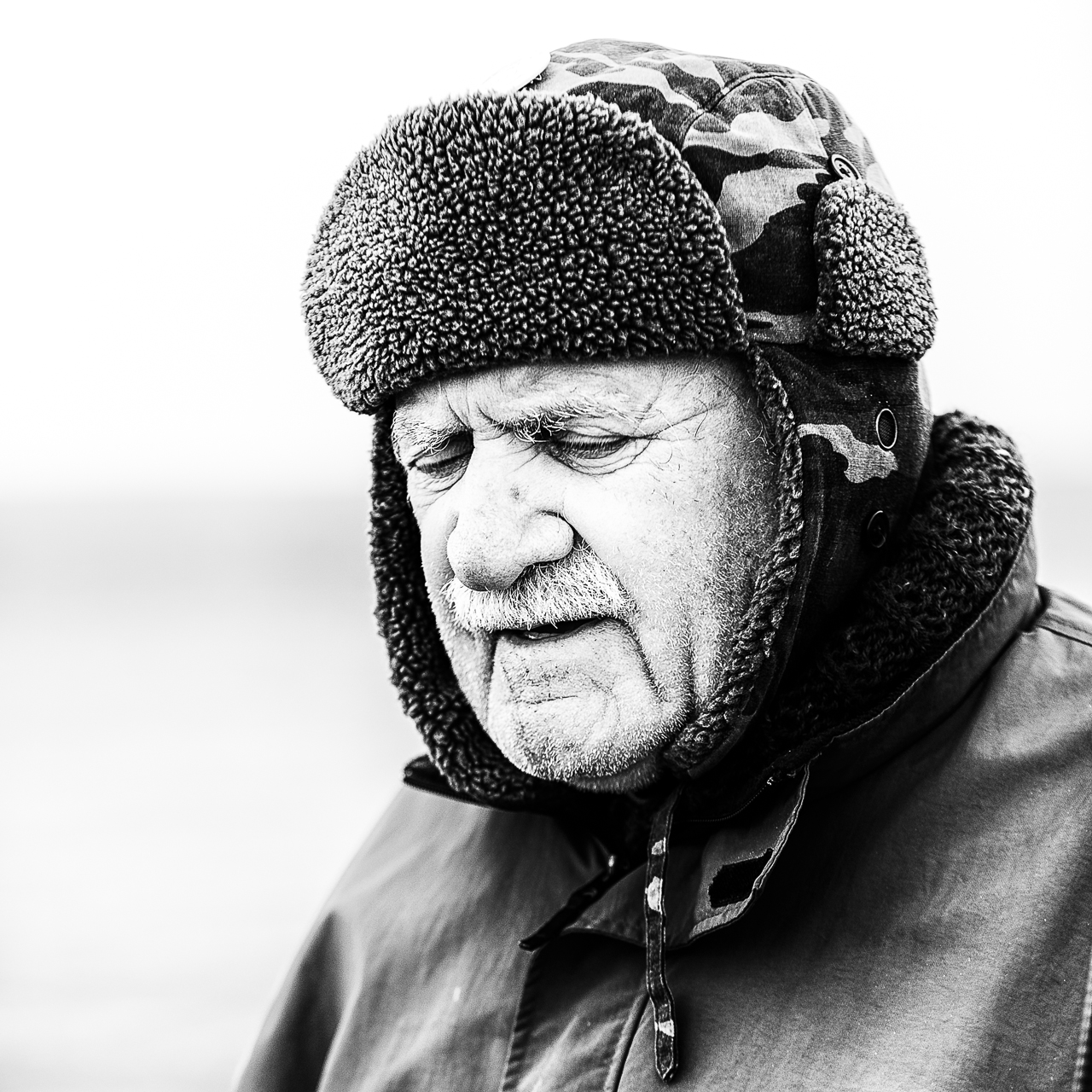 old-man-by-sea