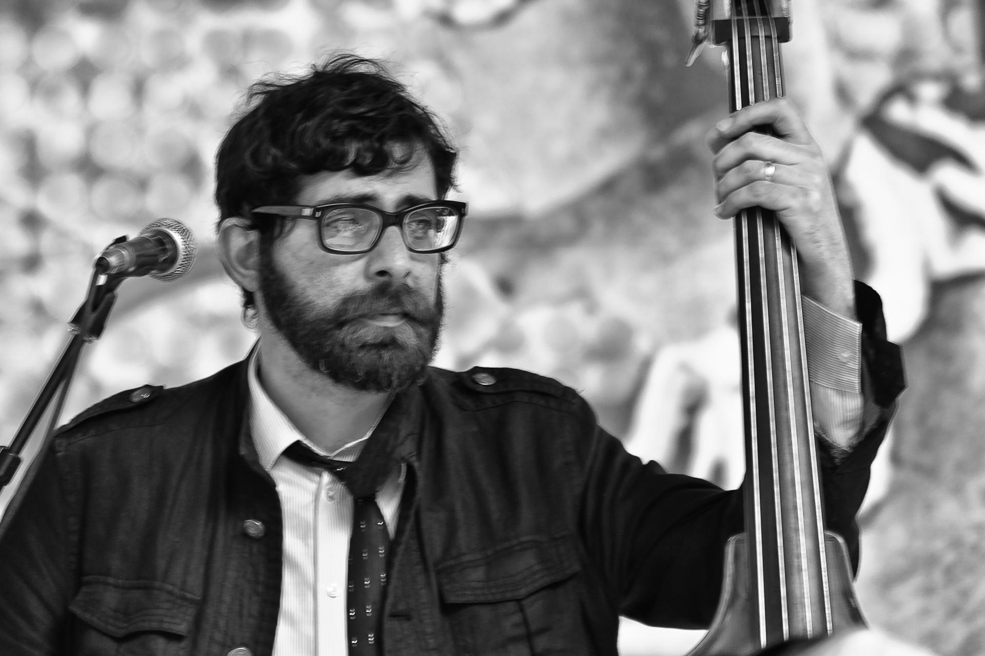 Street PIAF musician-