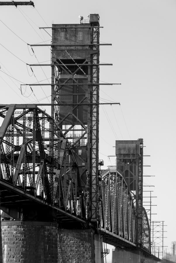 B&W railroad bridge phila photo