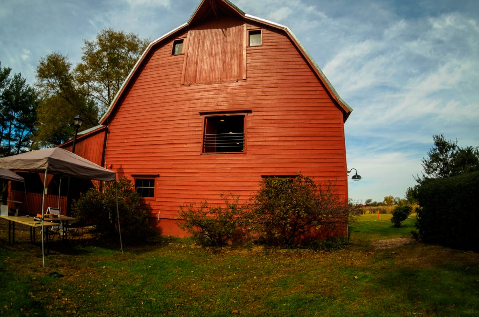 bishop-farm-barn