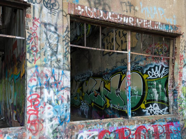 coal-piers-graffiti-photos-1111