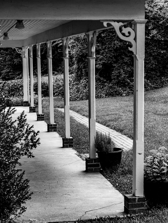 farm-house-photos black and white