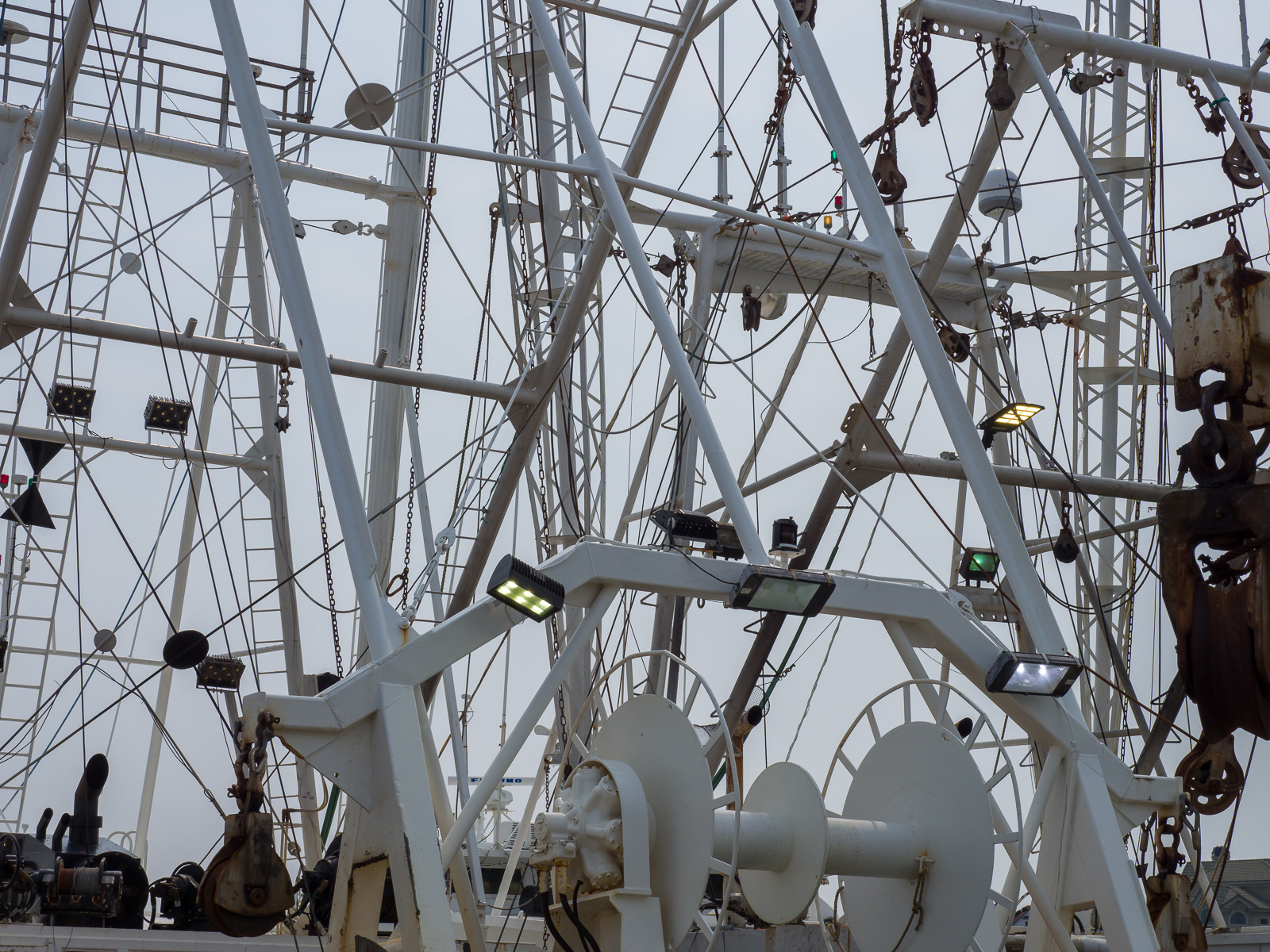 Masts and guide wires photos